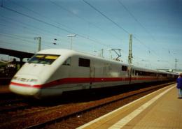 ICE-Durchfahrt am Bahnhof Gießen - (c) Sven Ackermann