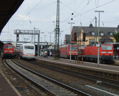 ICE-Durchfahrt am Bahnhof Gießen