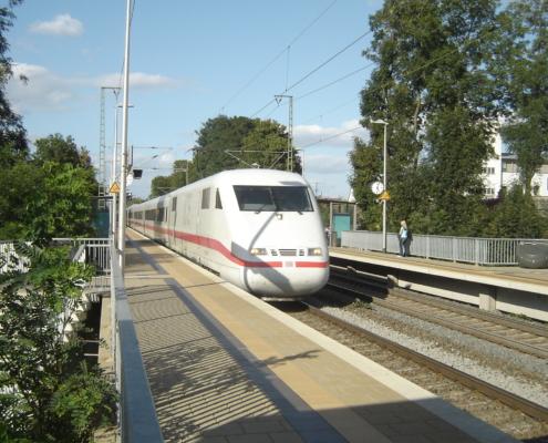 ICE-Durchfahrt in Gießen Oswaldsgarten - (c) Jonathan Schmidt
