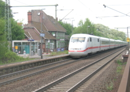 ICE-Durchfahrt in Großen Linden