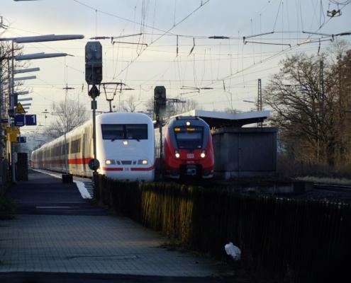 ICE-Durchfahrt in Groß Karben