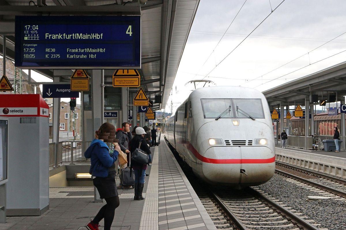 ICE-Einfahrt in Marburg(Lahn)