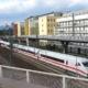 ICE-Doppeltraktion in Frankfurt(M)West; Warten am Ausfahrsignal auf die einfahrende S6